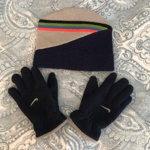 Boys GAP hat and Nike fleece gloves